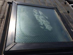 【横浜市青葉区】天窓のガラスパッキン劣化による雨漏りの修理工事の事例9