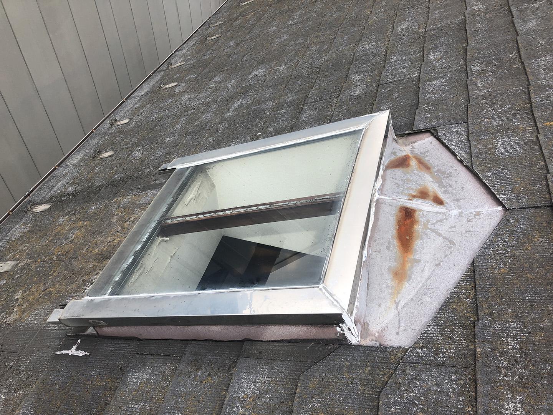 【東京都調布市】天窓のガラスパッキン劣化による雨漏りの修理工事の事例4