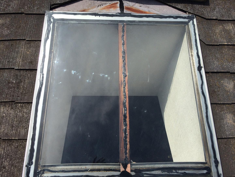 【東京都調布市】天窓のガラスパッキン劣化による雨漏りの修理工事の事例9