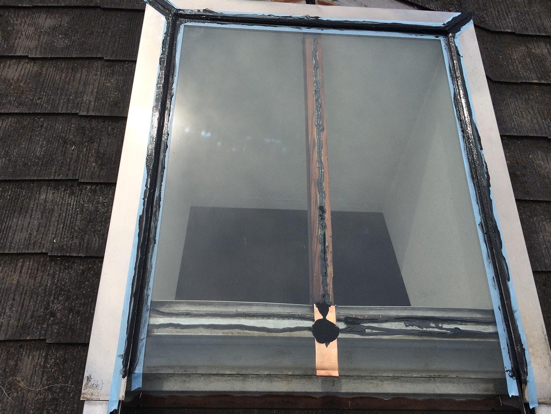 【東京都調布市】天窓のガラスパッキン劣化による雨漏りの修理工事の事例14