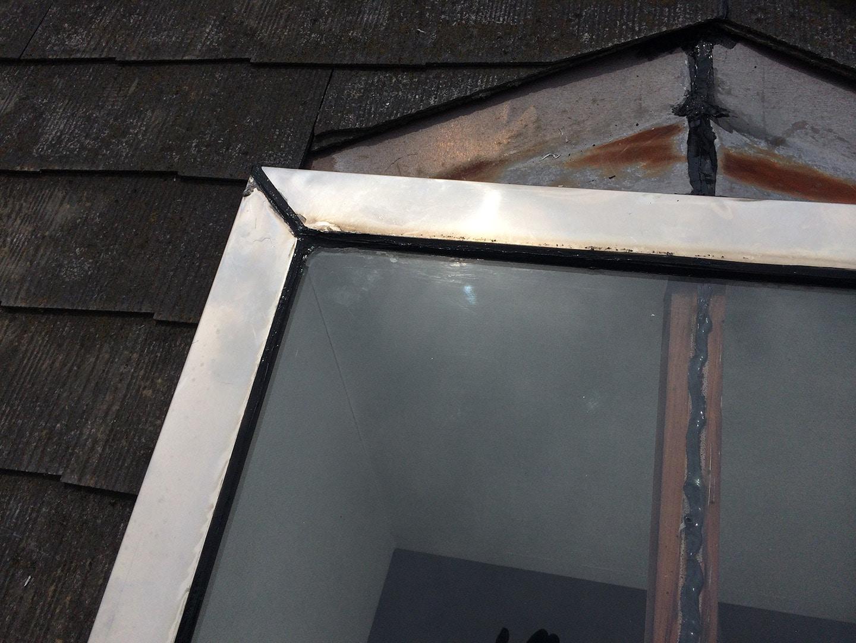 【東京都調布市】天窓のガラスパッキン劣化による雨漏りの修理工事の事例17