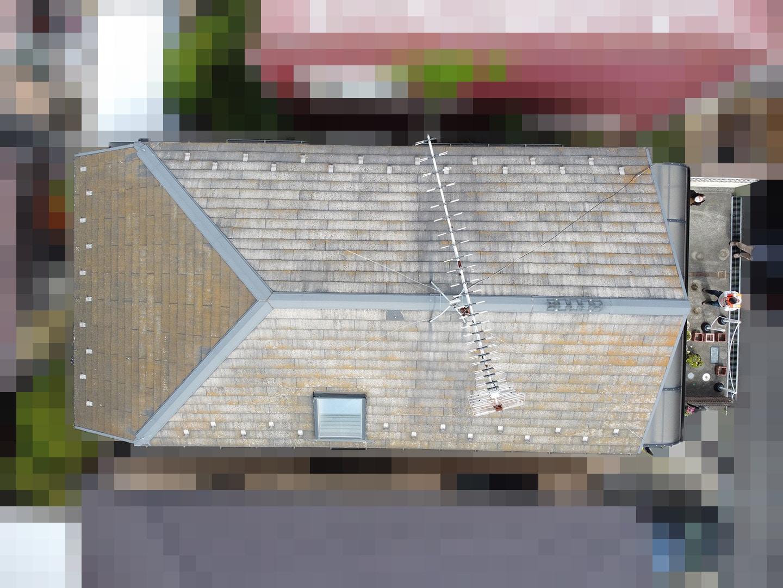 【東京都八王子市】スレート・レサス屋根、棟板金の交換工事と、ひび割れ修理の事例1