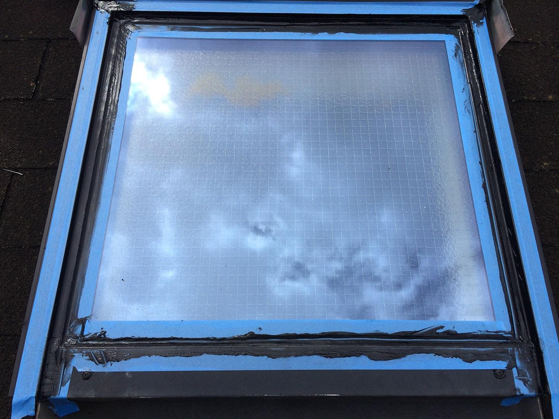 【東京都新宿区】トステム「 スカイライト 」のガラスパッキン劣化による天窓雨漏りの修理工事の事例13