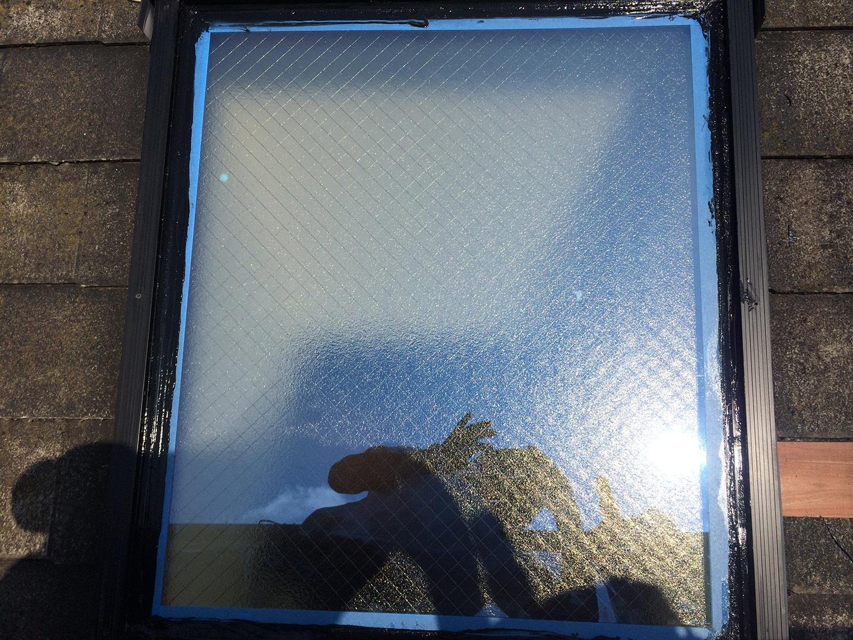 【東京都八王子市】トステムの天窓のガラスパッキンのメンテナンス工事の事例8