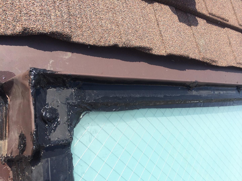 【神奈川県大和市】立山アルミの天窓のガラスパッキン劣化による雨漏りの修理工事の事例16
