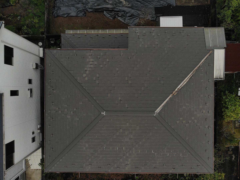 【千葉県市原市】台風で被災した金属屋根、棟板金の交換修理工事の事例1