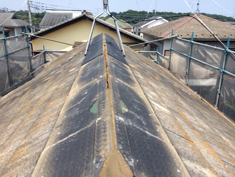 【東京都八王子市】スレート・レサス屋根、棟板金の交換工事と、ひび割れ修理の事例5