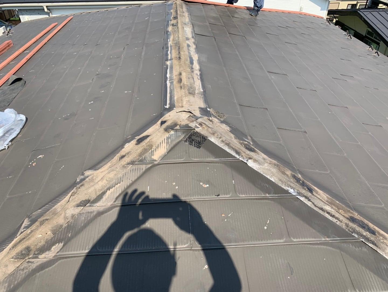 【千葉県市原市】台風で被災した金属屋根、棟板金の交換修理工事の事例4