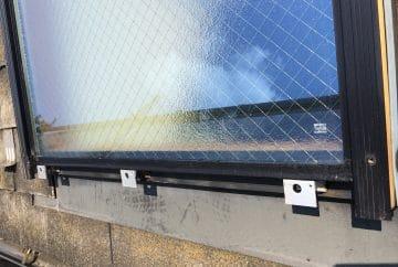 【東京都八王子市】トステムの天窓のガラスパッキンのメンテナンス工事の事例2