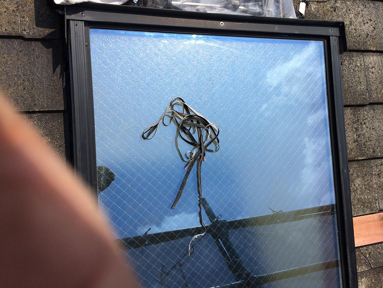 【東京都八王子市】トステムの天窓のガラスパッキンのメンテナンス工事の事例3