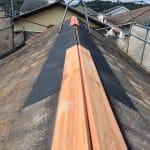 【東京都八王子市】スレート・レサス屋根、棟板金の交換工事と、ひび割れ修理の事例