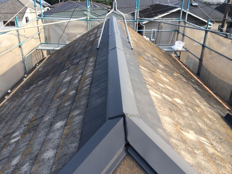 【東京都八王子市】スレート・レサス屋根、棟板金の交換工事と、ひび割れ修理の事例15