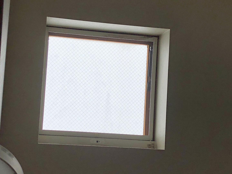 【千葉県松戸市】天窓のガラスパッキン劣化による雨漏りの修理工事の事例1