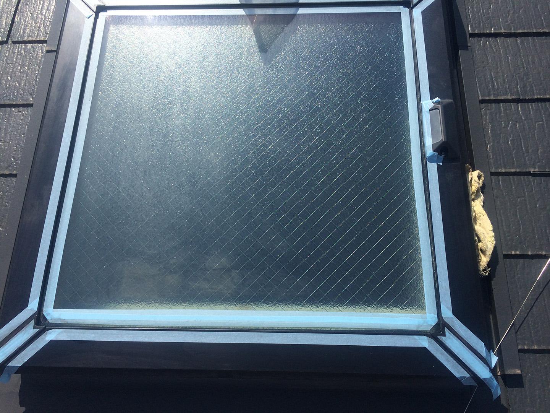【千葉県松戸市】天窓のガラスパッキン劣化による雨漏りの修理工事の事例5