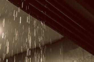 雨漏り修理で火災保険が適用ができる条件と適用できない事例を解説します