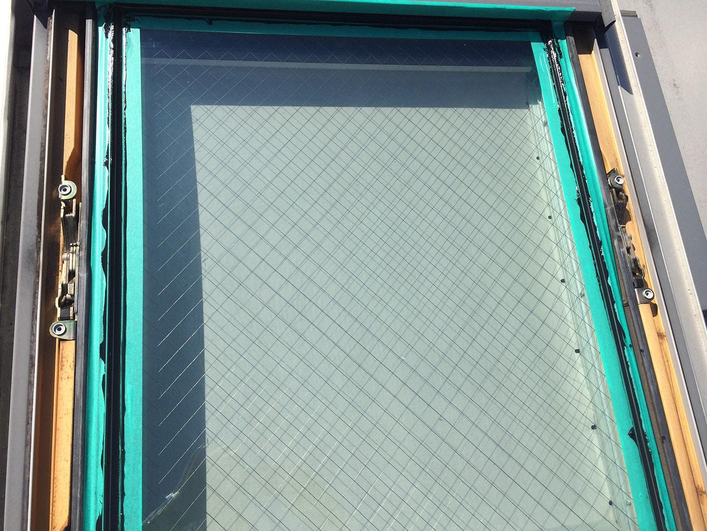 ベルックス天窓 ガラスシール工事 コーキング