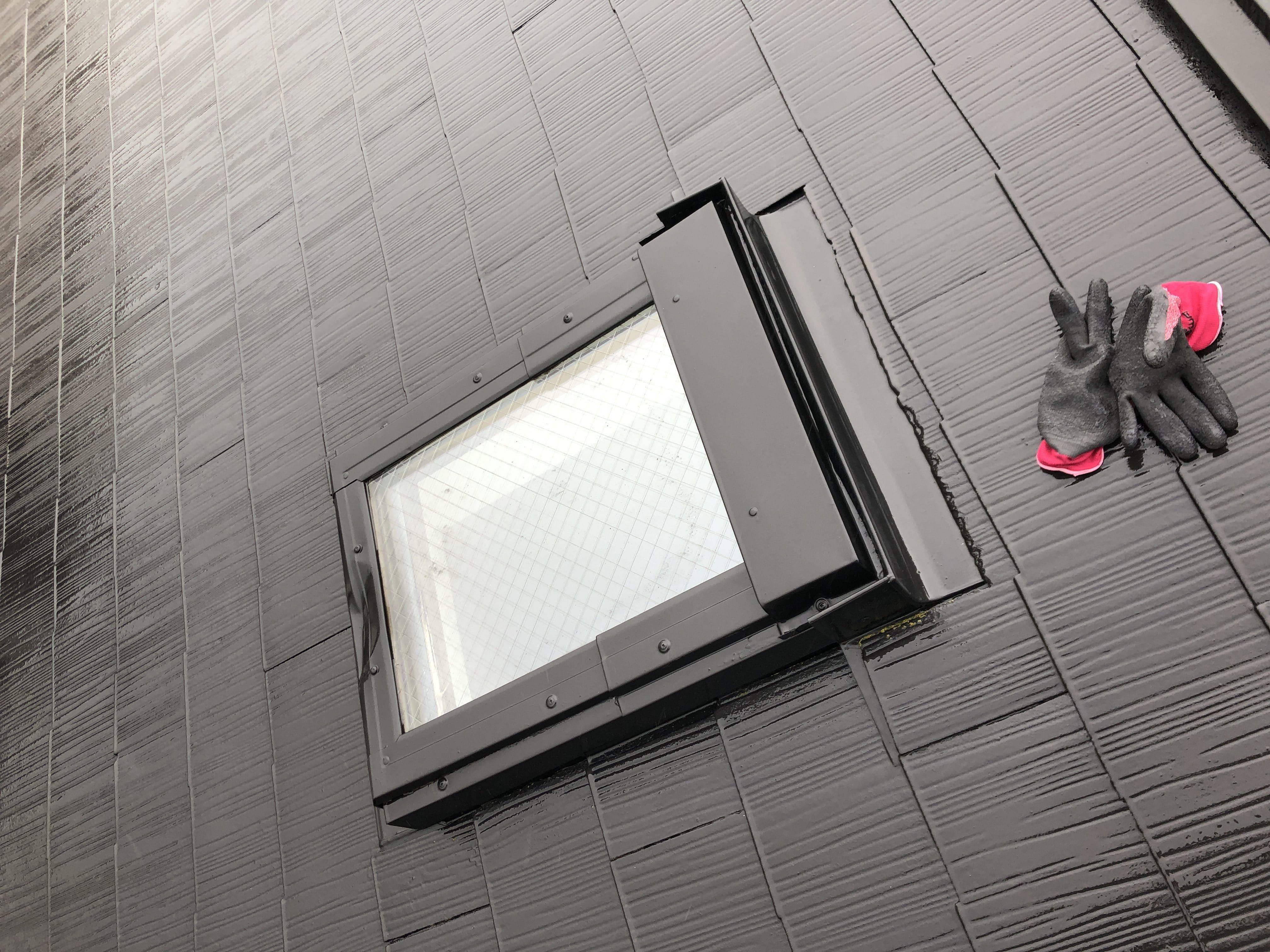 ベルックス天窓雨漏り修理事例 屋根側状況