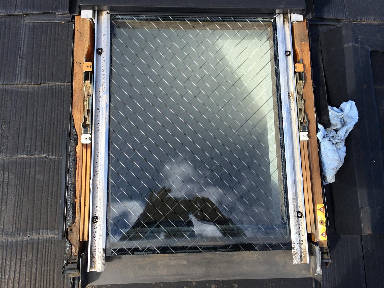 天窓のガラス部、外枠撤去