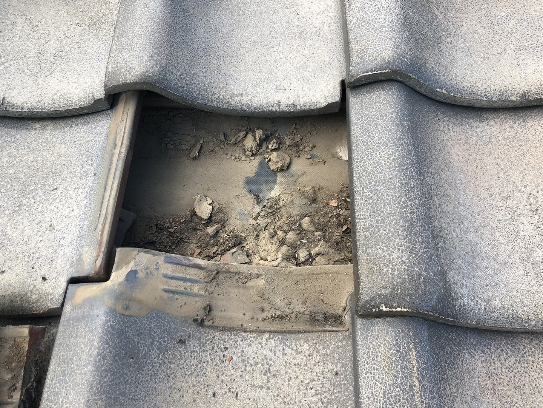 瓦屋根の台風対策「 ウッドロック 」施工事例と価格 平部の瓦 固定なし
