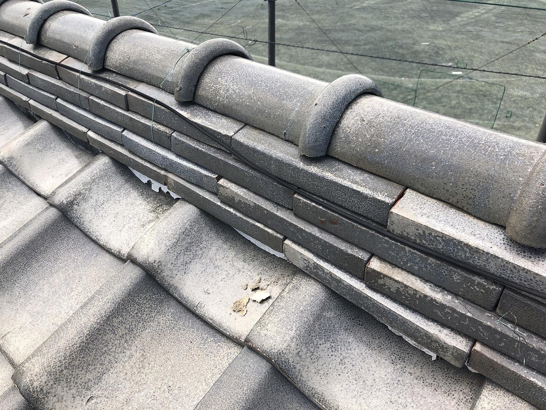 瓦屋根の台風対策「 ウッドロック 」施工事例と価格 棟の固定状況