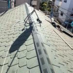 【横浜市青葉区】スレート屋根の棟板金の交換修理、屋根裏の結露対策の棟換気の設置工事の事例