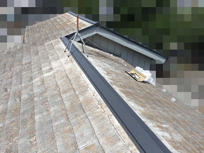 【横浜市瀬谷区】スレート屋根、棟板金の交換修理の工事の事例 工事完了