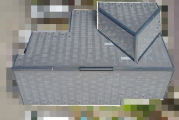 【東京都府中市】築17年、アスベスト未使用のスレート屋根の今後のメンテナンス相談で、屋根点検の事例 ドローン全景
