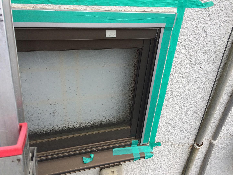 窓 雨漏り修理 コーキング施工