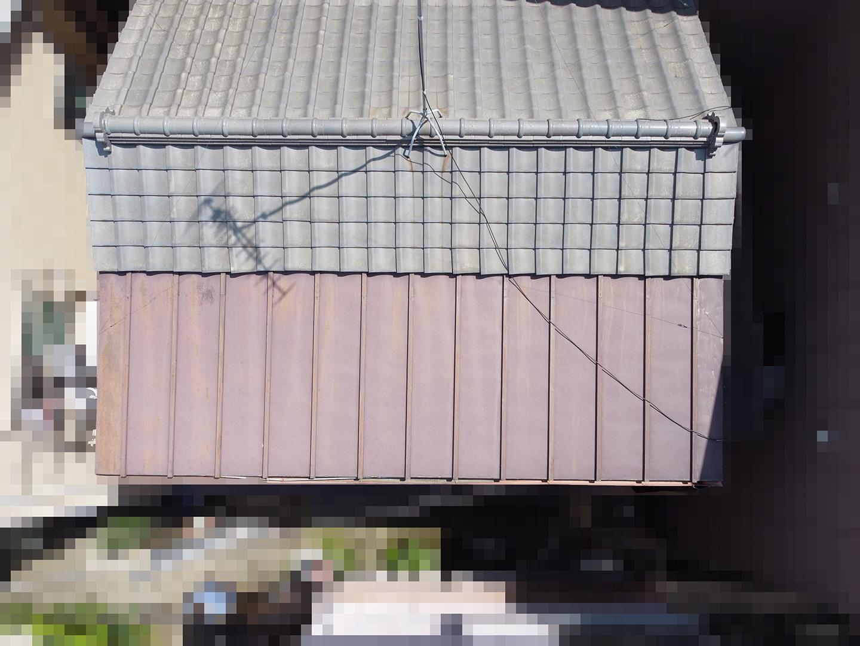 【文京区千石】築30~40年、瓦と金属屋根がくっついている屋根の点検事例