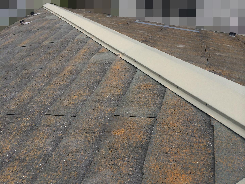 【東京都八王子市】スレート屋根、棟板金の釘増し打ち、ひび割れをガルバで部分カバーする工事の事例 棟板金の釘の増し打ち