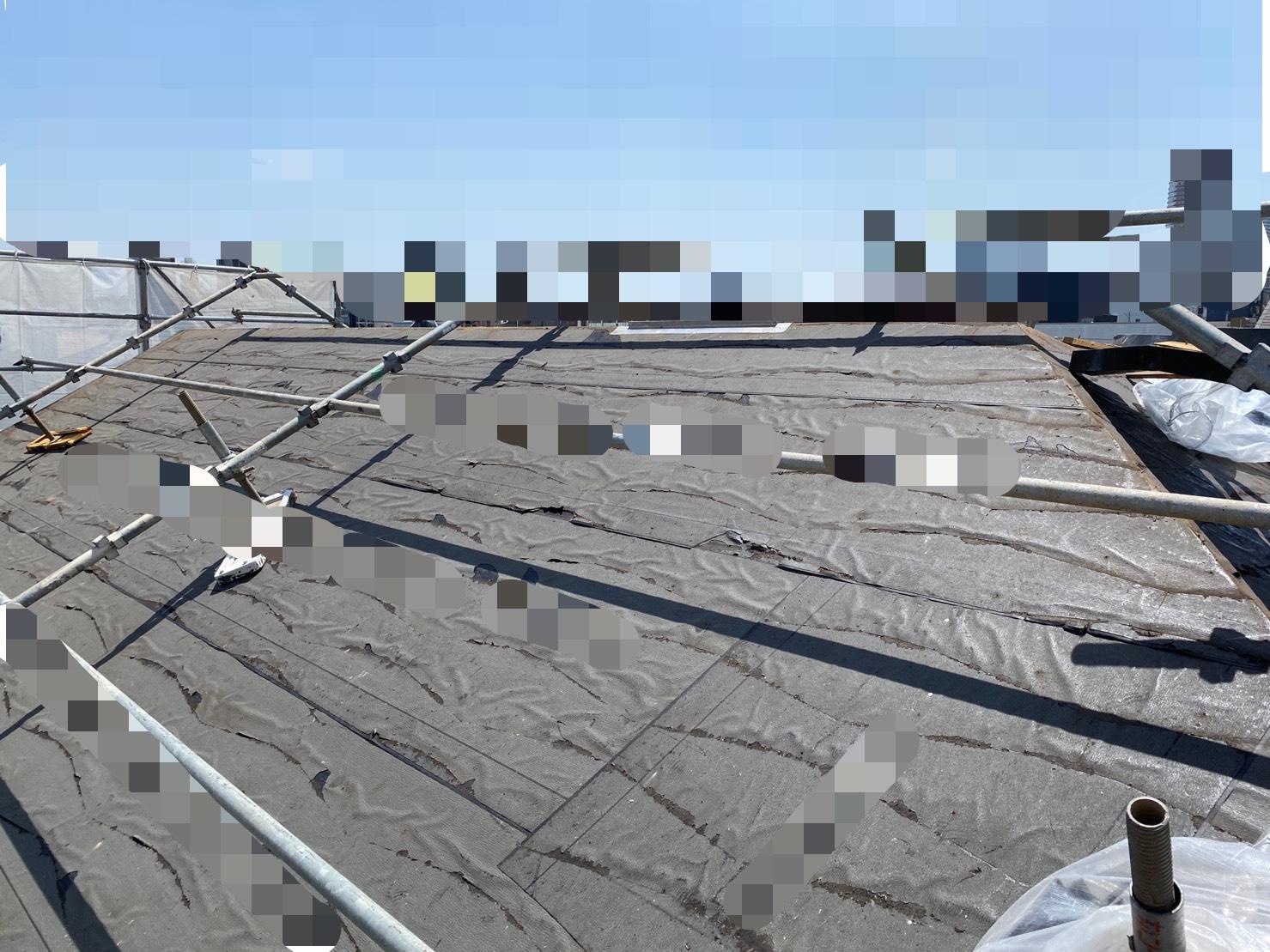 剥がし終えた屋根