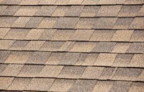 アスファルトシングルってどんな屋根?特徴やメリット・デメリットを紹介