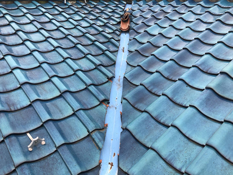 瓦屋根の固定確認 谷( たに ) → 屋根の谷折り部